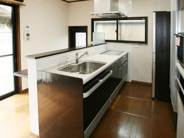 滋賀県彦根市 キッチン、リビング内装改修 施工後