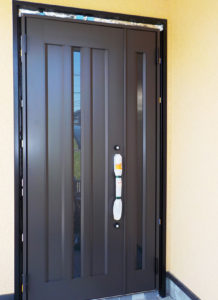 玄関ドアを防犯性の高いドアに変更