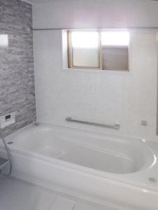 タイル貼りのお風呂からあたたかいリラックス空間へ