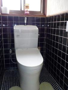 お掃除もラクラク節水トイレ